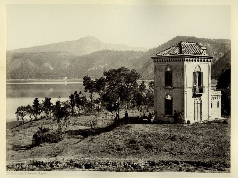 Lago d'Agnano (Napoli) - Lake view in the 1860s - photo Giorgio Sommer - one click to enlarge