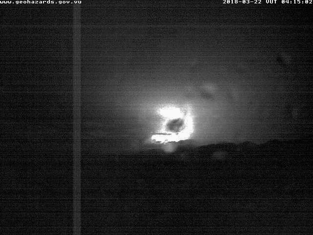 Ambae - incandescence nocturne - webcam VGO 22.03.2018 /  04h15 loc.
