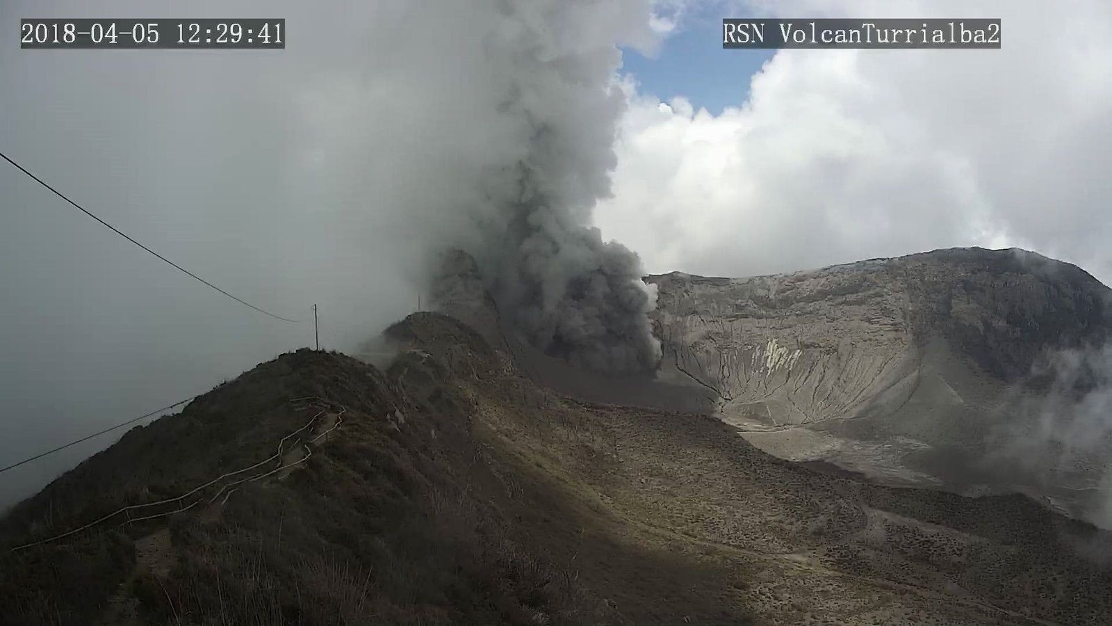 Turrialba - 05.04.2018 / 12h28 -12h29 - webcam RSN