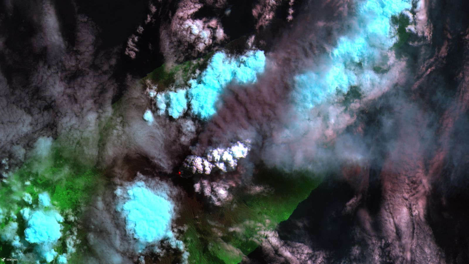 Ambae volcano Sentinel-2 L1C from 2018-04-09  Contains modified Copernicus Sentinel data [2018], processed by Pierre Markuse