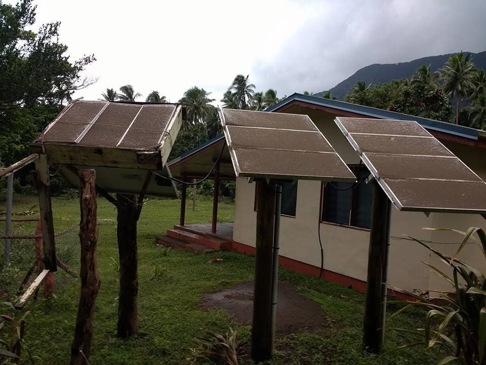 The solar panels of Naviso telemedecine project, on the island of Maewo, covered with ashes of Lombenben (on Ambae) - Photo courtesy of Steve Bihu - Dailypost .vu