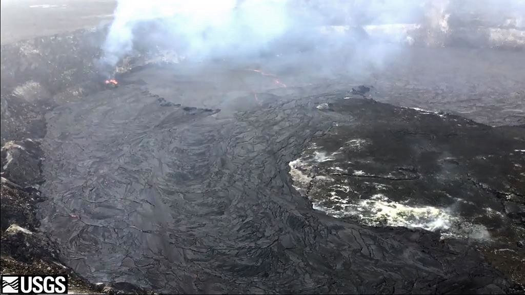 Kilauea / Halema'uma'u crater - overflow of the summit lava lake 26.04.2018 - photo HVO-USGS