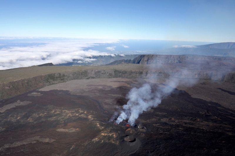 Piton de la Fournaise - eruption on the southern flank 28.04.2018 - photo RB Imazpress