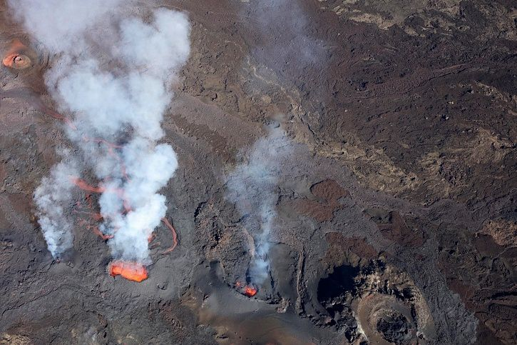 Piton de La Fournaise - Shooting of the eruptive site on 30.04.2018 at 10:20. (© OVPF / IPGP)