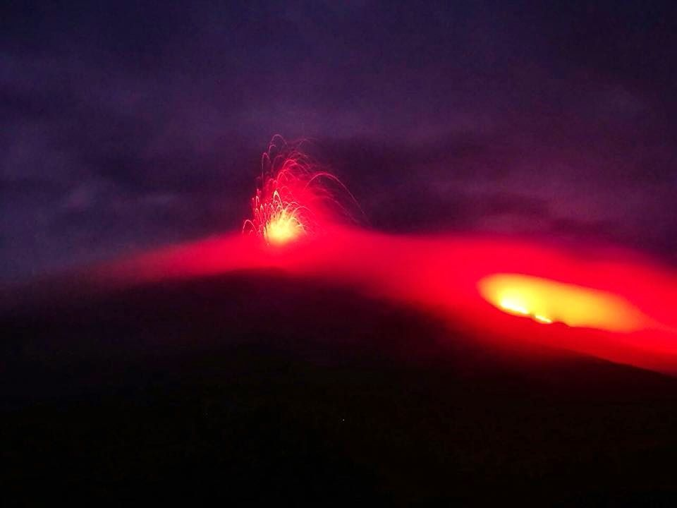 Pacaya - activité strombolienne dans la nuit du 30.04 au 01.05 - photo Conred