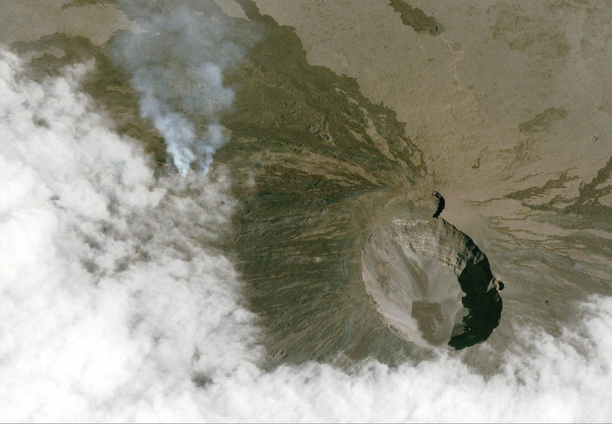 Piton de La Fournaise - the eruptive site - photos taken between April 29th and May 3rd by the CNES Pleiades satellites - AirbusSpace
