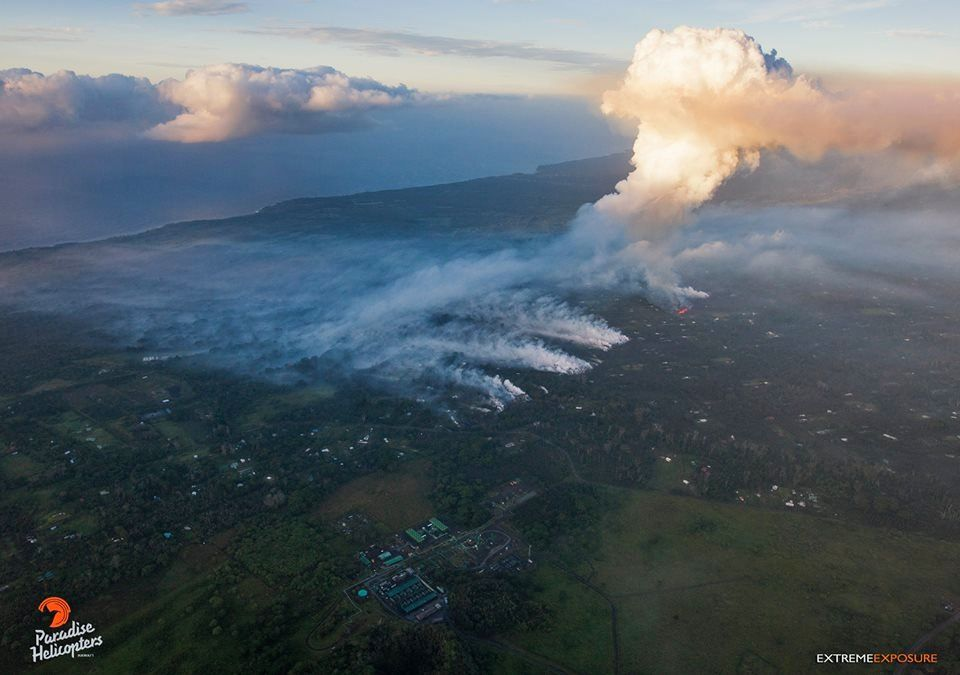 Kilauea East Rift area - 05.05.2018 / 6am - opening of the seventh fissure near the intersection between the Leilani and Makamae roads; sending a plume of more than 1,200 meters - photo Bruce Omori / Fine Exposure Fine Art / Paradise Helico