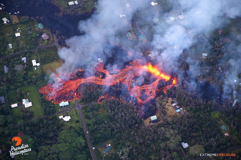 Kilauea Lower East rift zone - sur ces photos du 06.05.2018 ont voit bien la progression de la coulée de lave - photos Bruce Omori / Paradise helicopters