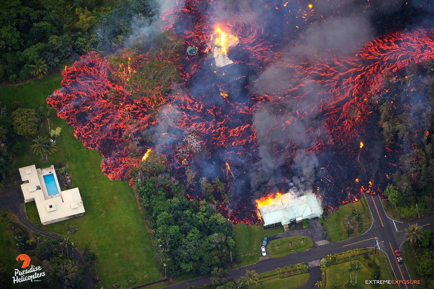 Kilauea Lower East rift zone - on these photos from 06.05.2018 have seen the progression of the lava flow - photos Bruce Omori / Paradise helicopters