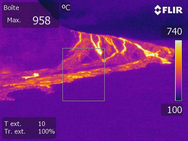 Piton de La Fournaise - Thermal image of the lava flows in the slope break below Piton Bert on May 10 (16h20 local time). (© OVPF- IPGP)