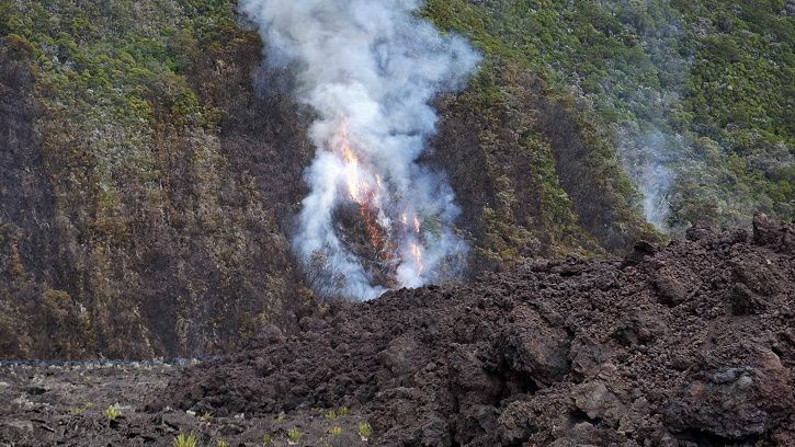 2018.05.10 Piton de La Fournaise - fire departure at the casting front on May 10 (16h00 local time). (© OVPF - IPGP)