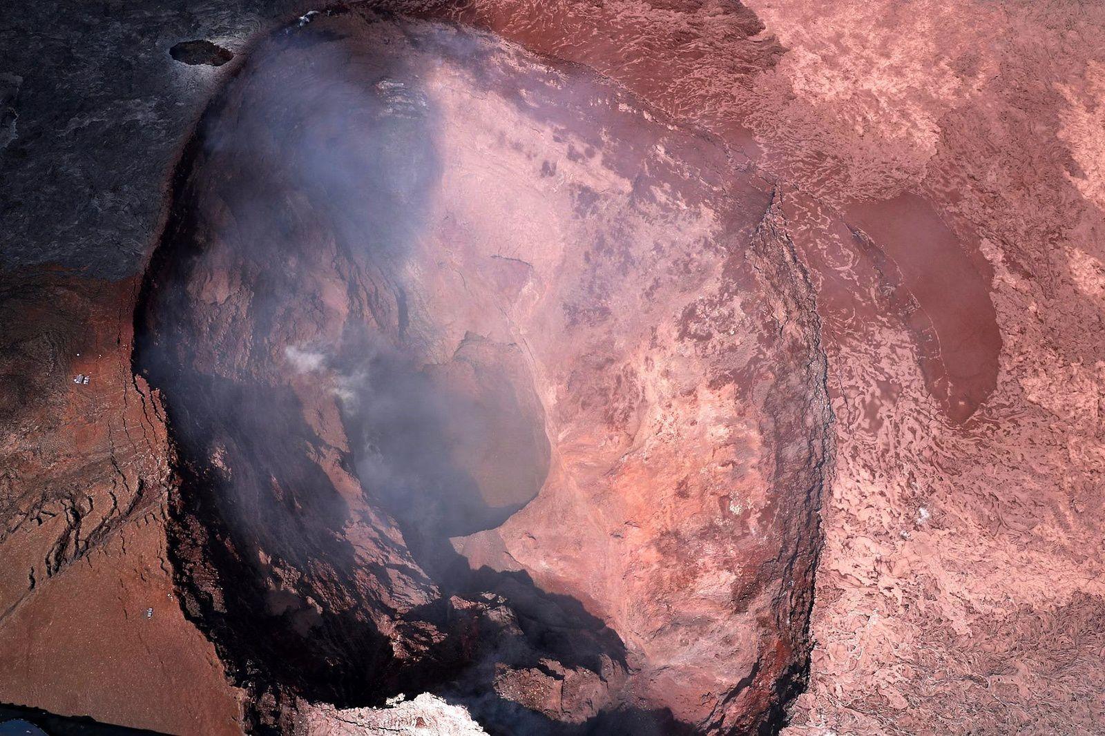 Dernière photo du cratère du Pu'u O'o post-effondrement et vidange du lac de lave  - doc. USGS