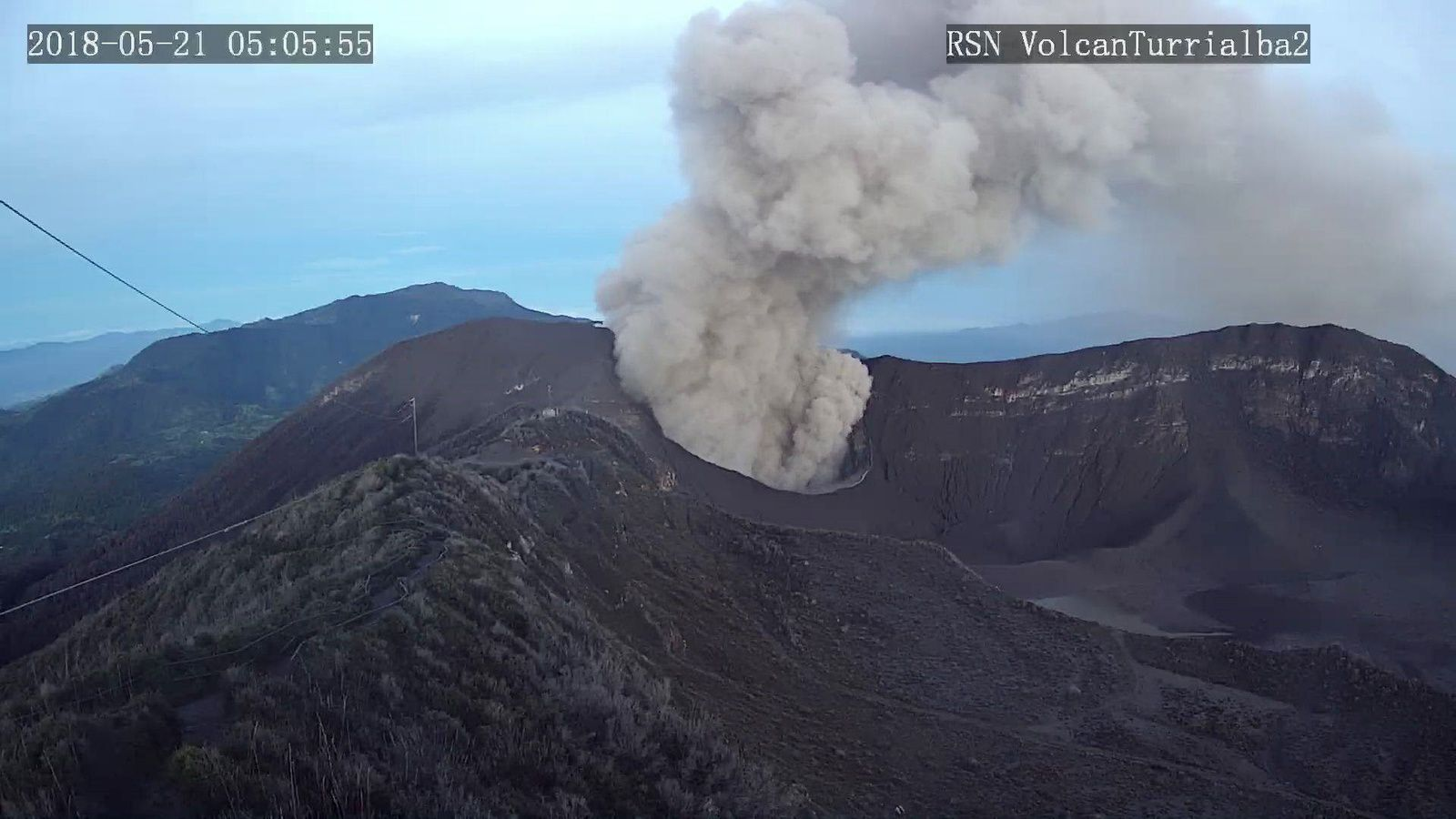 Turrialba - passive emission of ashes on 21.05.2018 / 5:05 - RSN webcam