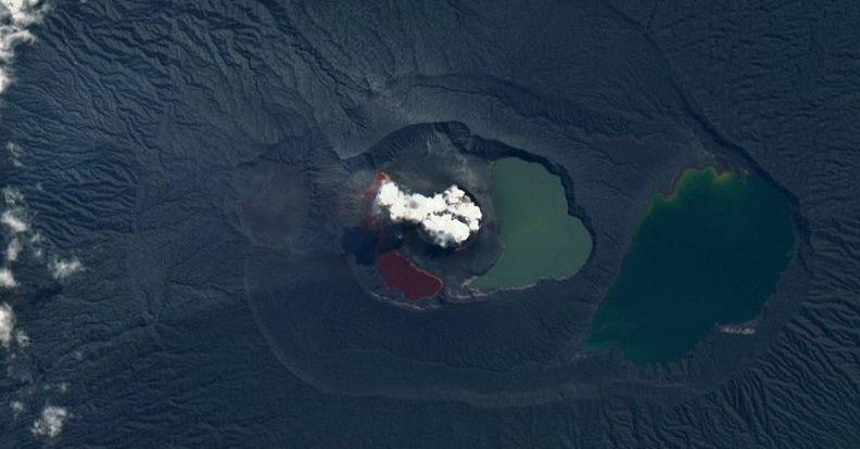 Ambae  - images Sentinel 2 19.05.2018 - au dessus, image SWIR, en dessous, image couleurs naturelles