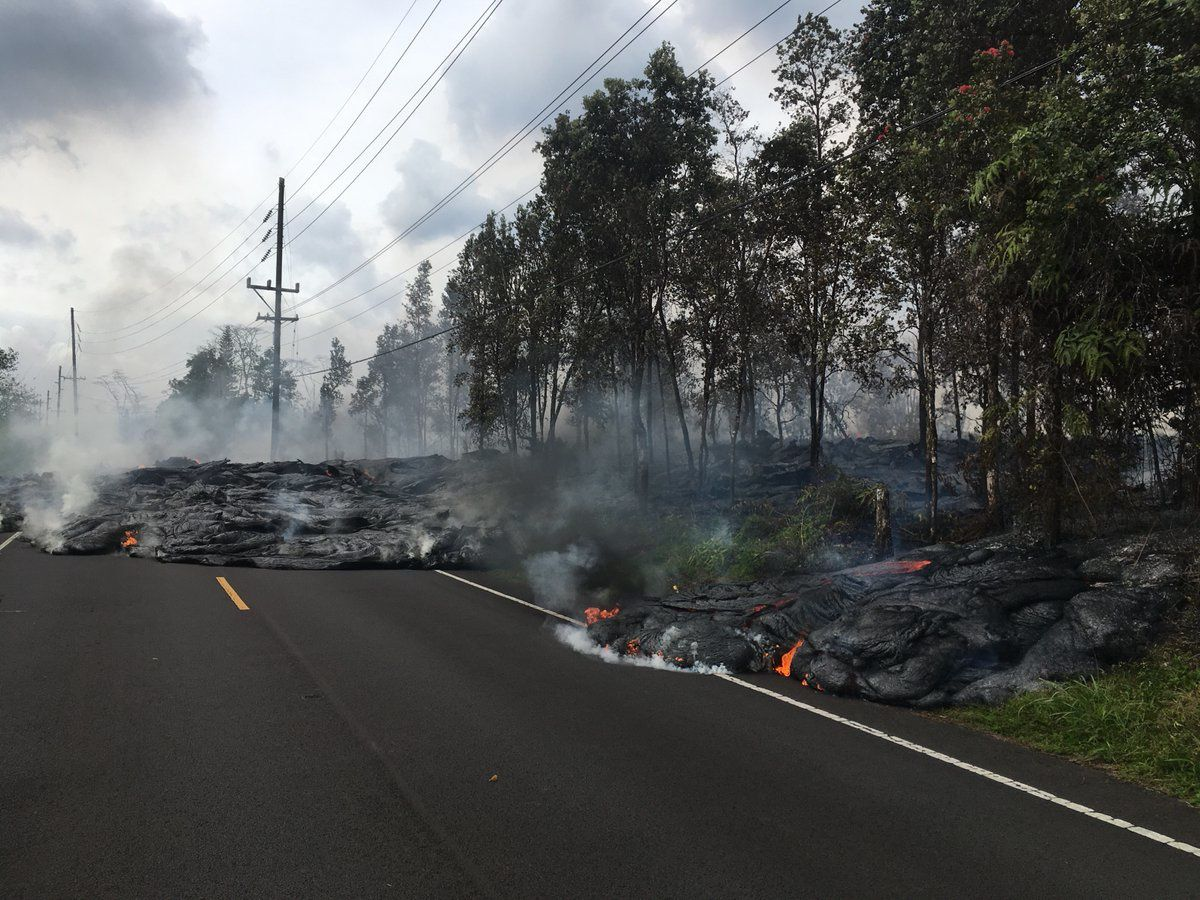 Kilauea East rift zone - the lava flows through Poihiki road on 28.05.2018 at 8:35 am HST -photo USGS