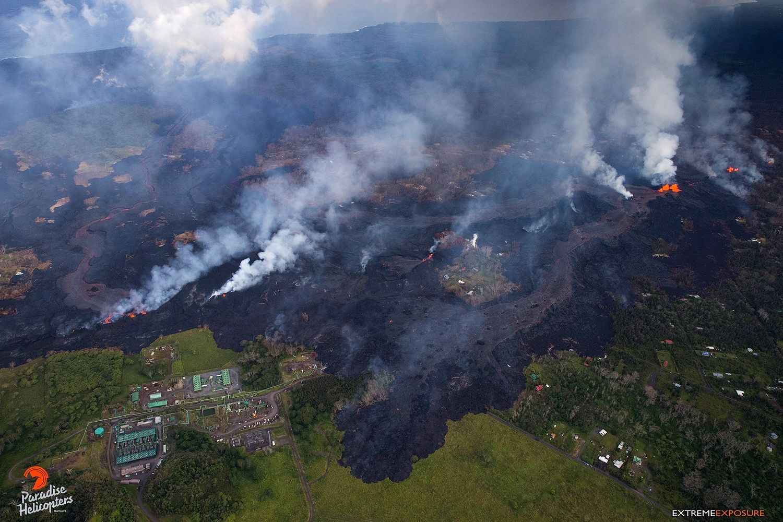 Kilauea East Rift Zone - 27.05.2018 / 5h 45 pm - lava penetrates GVP's terrain - photo Bruce Omori / Paradise Helicopters