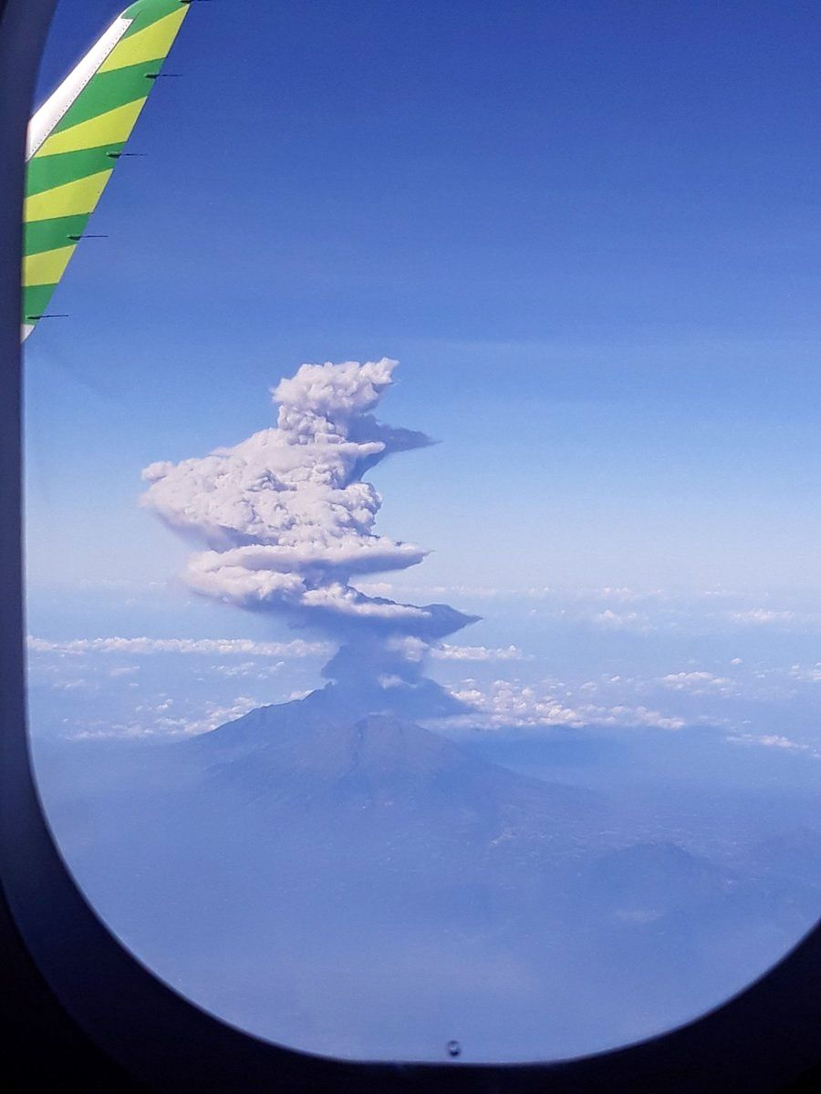 Merapi - aerial view of the eruptive plume from 01.06.2018 / around 8:20 am - photo IG Merapi news
