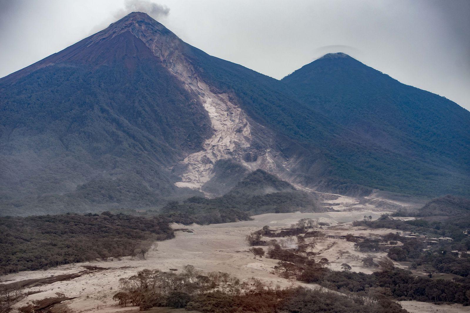 Fuego - 04.06.2018 after eruption - photo Conred / Flickr