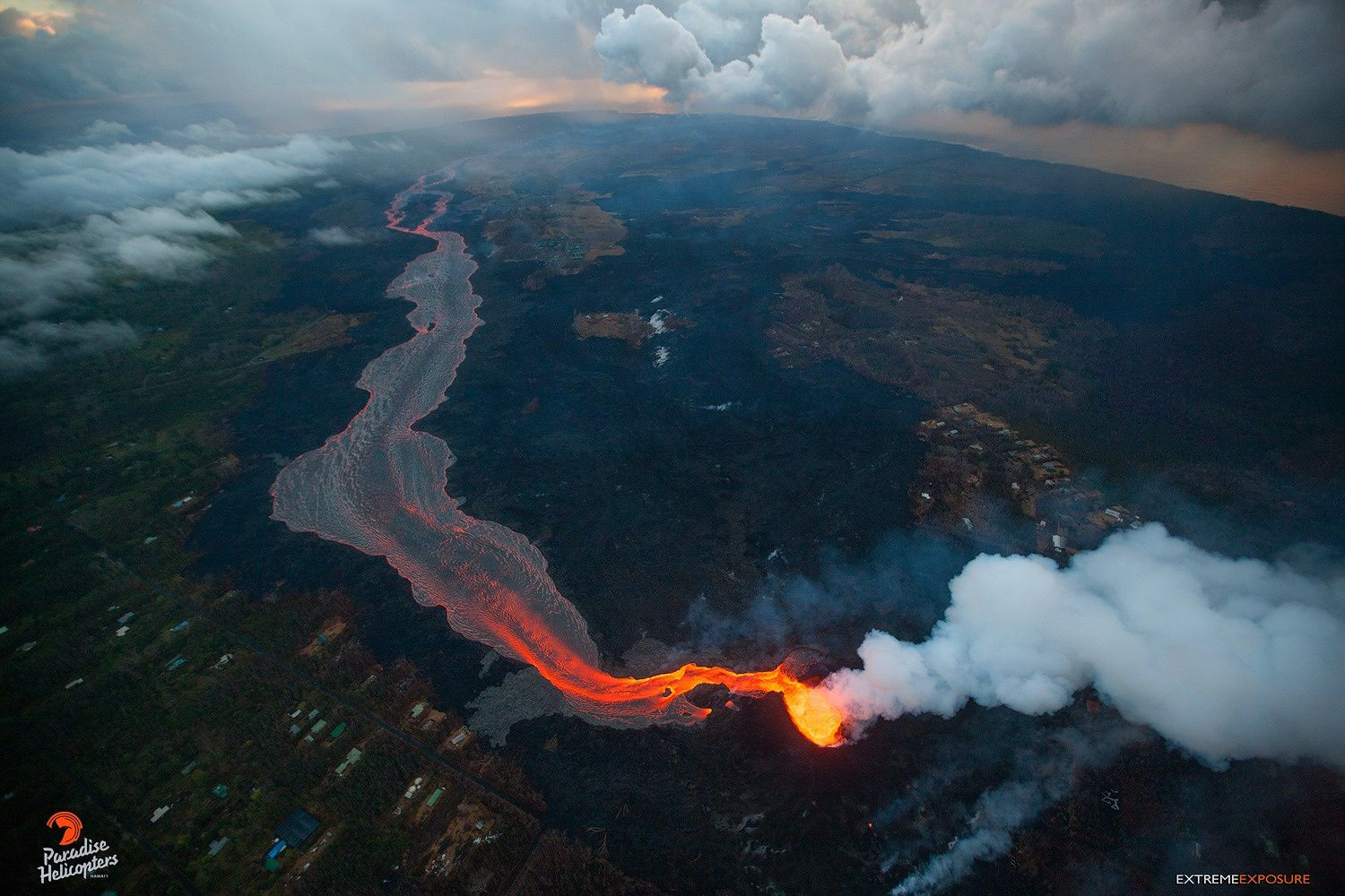 Kilauea - East rift zone - Fissure 8  and lava flows to ocean - photo Bruce Omori