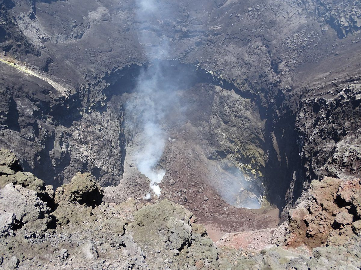 Etna - two new vents on the floor of the northeast crater - photo 30.06.2018 Boris Behncke