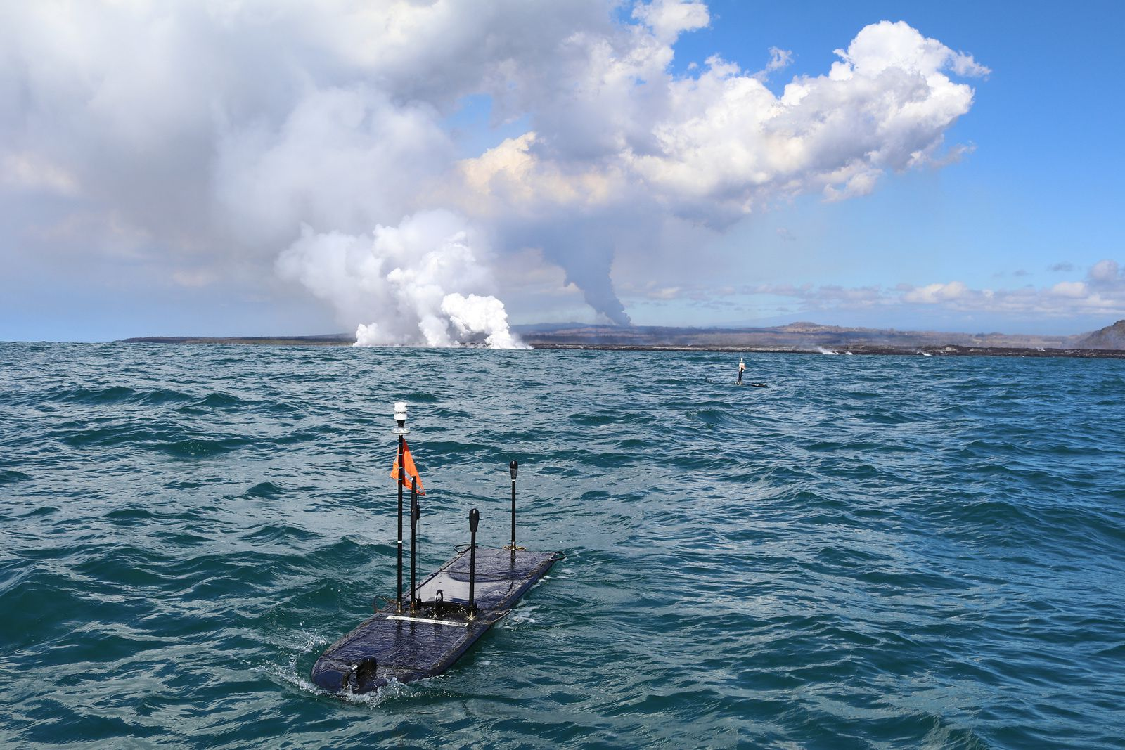 Kilauea East Rift Zone - two robotic wave surfers were deployed 300 m away. entries at sea, off Kapoho- picture 29.06.2018 / Liquid Robotics, A Boeing Company.