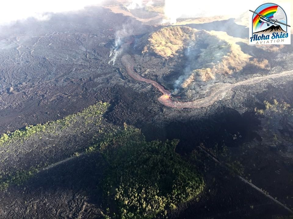 Kilauea East rift zone - lava flow blocking near crater Kapoho - photo Aloha Skies aviation 08.07.2018