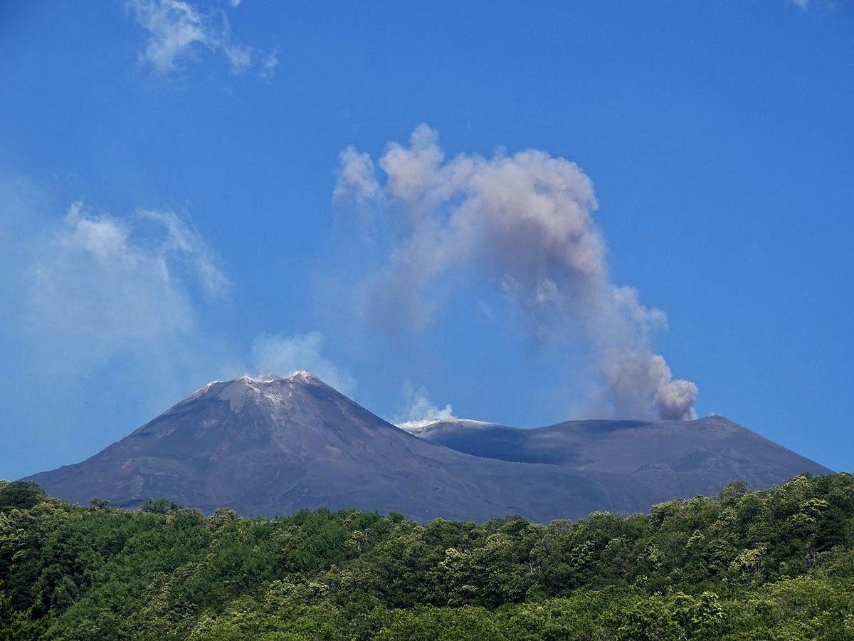 Etna - ash emissions NE crater - Boris Behncke photos via Twitter