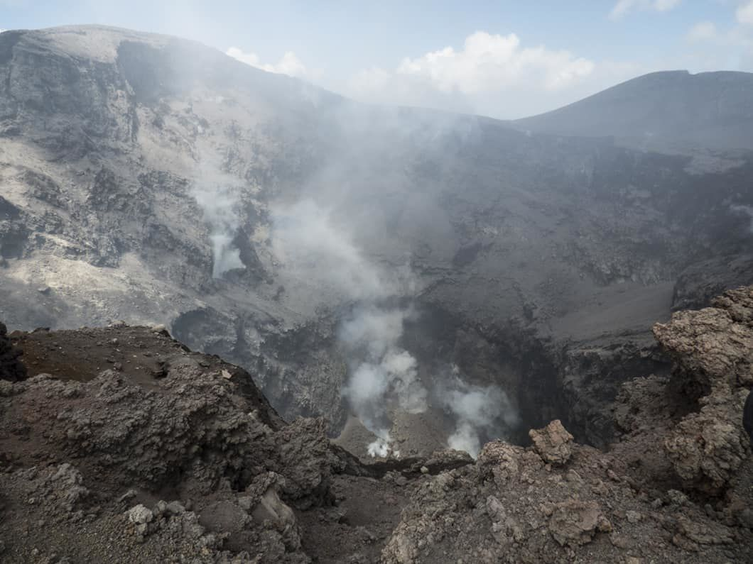 Etna NEC - 4 mouths degassing on the floor of the crater - photo Gio Giusa