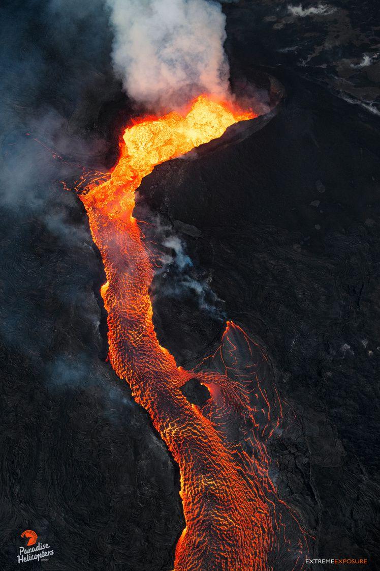 Kilauea East rift zone - cone on fissure8 and upper lava flow - photo Bruce Omori 25.07.2018