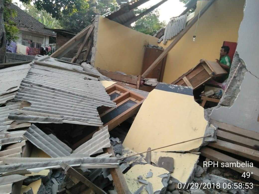 Lombok - property damage in areas near the epicenter - photos BNPB 29.07.2018