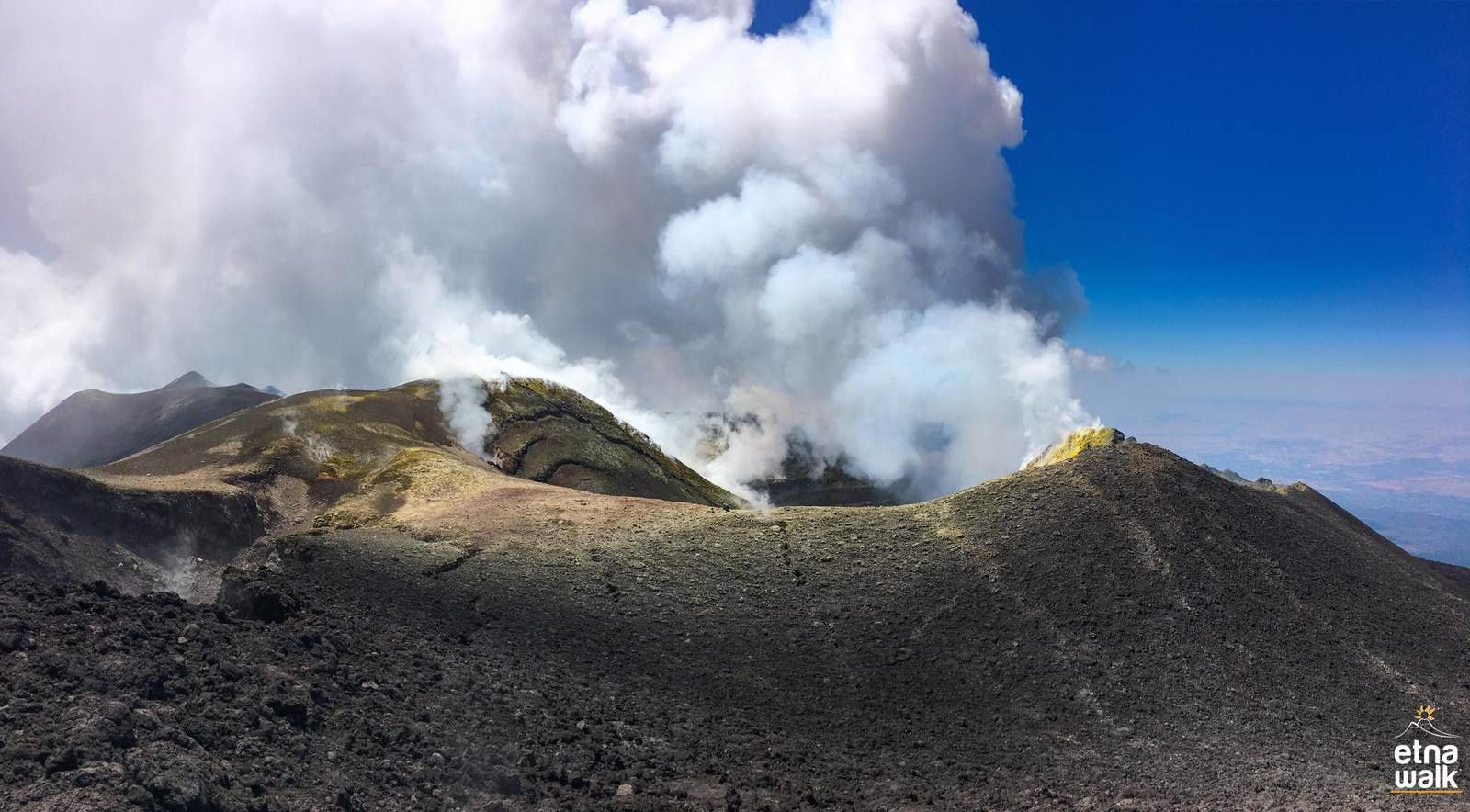 Etna - dégazage sommital le 30.07.2018 - photo EtnaWalk