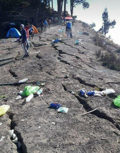 Rinjani - hikers are clueless after the earthquake and its aftershocks - photo TAN / Twitter