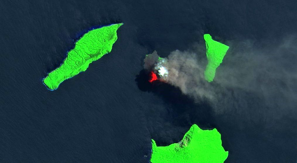 Anak Krakatau - zoom on image Sentinel 2 SWIR from 06.08.2018 / B.Duyck - one click to enlarge