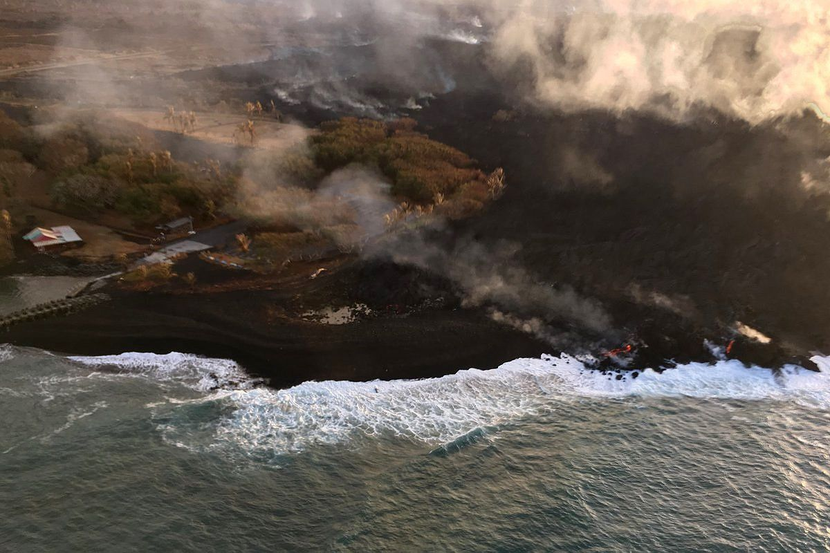 Kilauea East rift zone - The lava surrounds the Pohoiki boat ramp - USGS photo