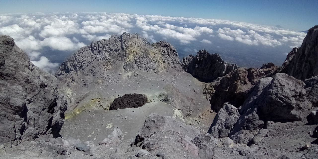 Merapi - the new lava dome - photo BPPTKG 18.08.2018 - one click to enlarge