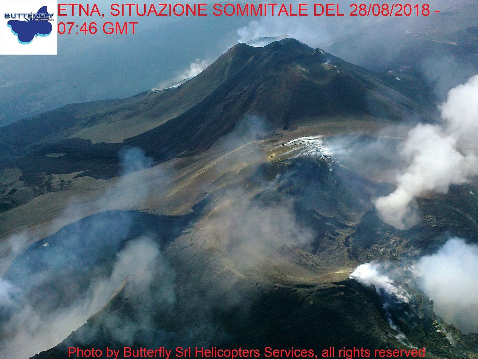Etna - flying above the summit respectively at 7:46 and 8:43 on 28.08.2018 - photos J.Nasi / Butterfly Helicopters
