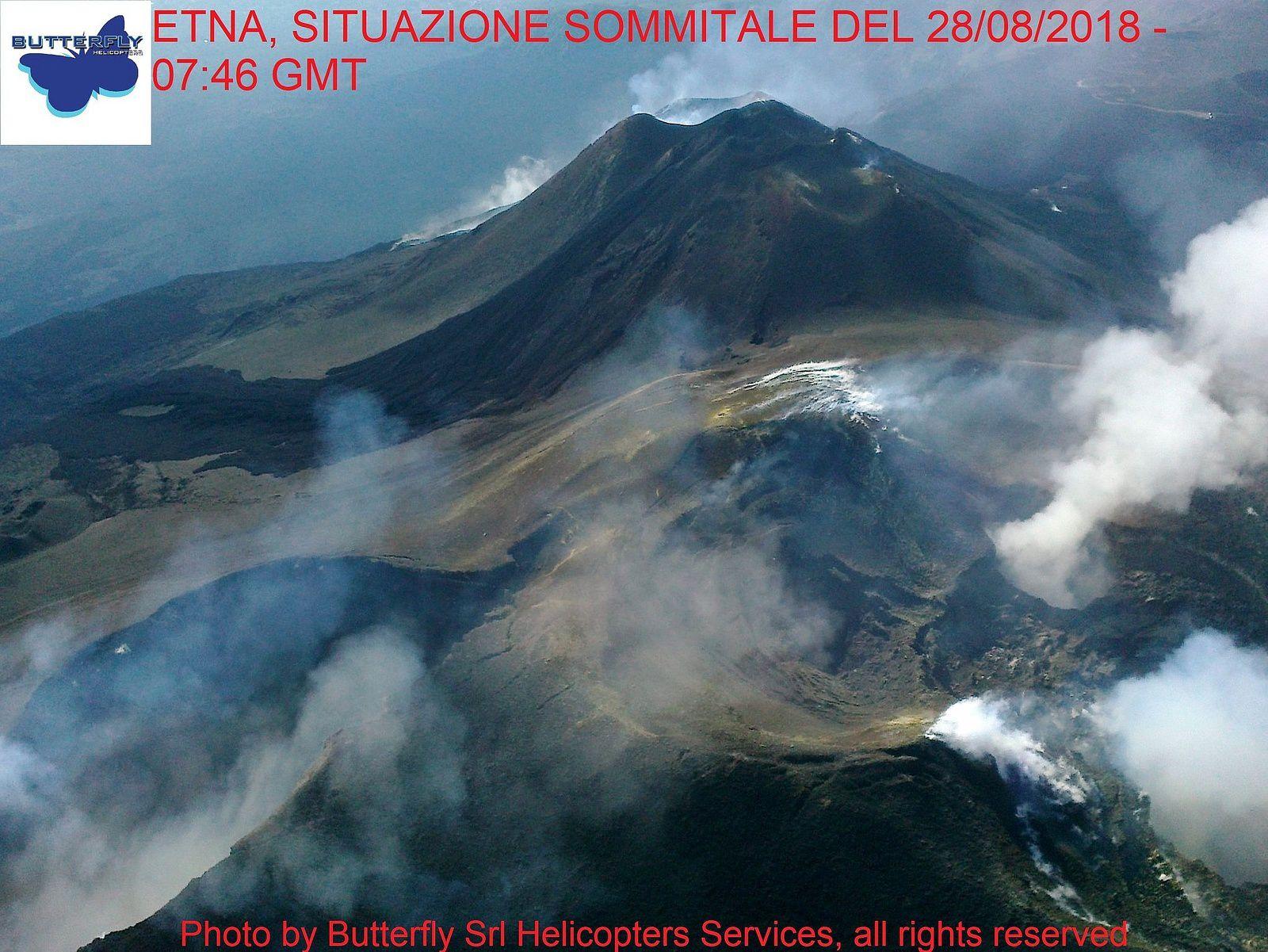 Etna - survol du sommet respectivement à 7h46 et 8h43 le 28.08.2018 - photos J.Nasi / Butterfly Helicopters