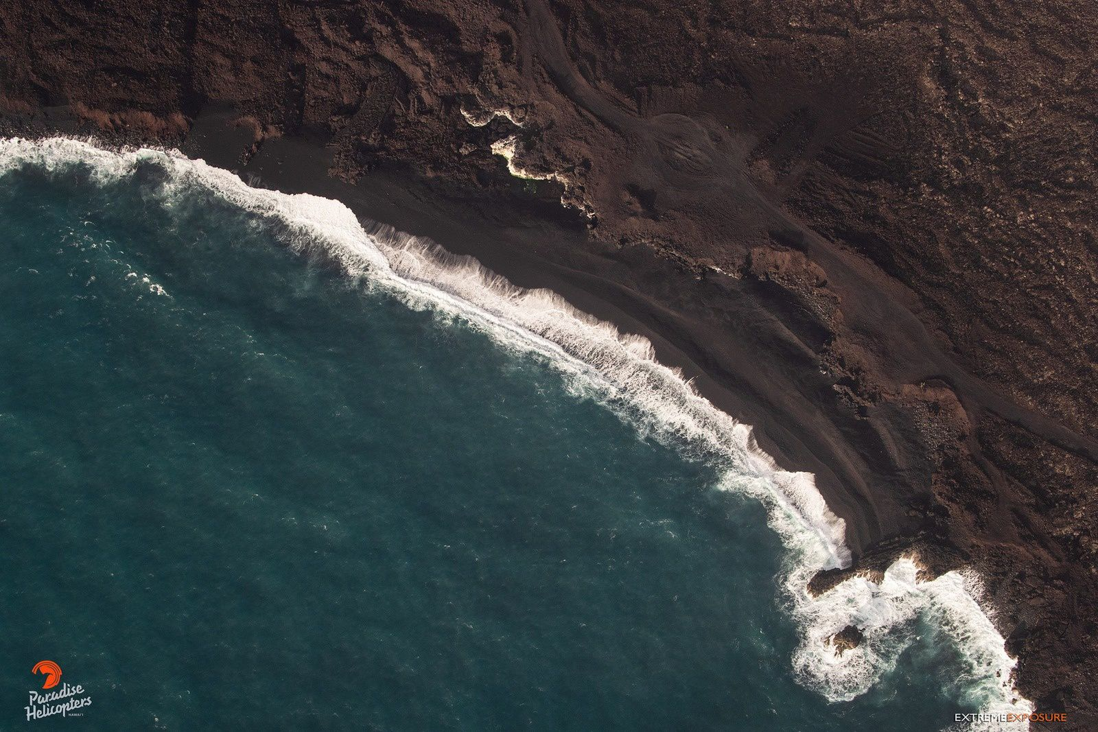 Kilauea East rift zone - 29.08.2018 - among the new black sand beaches created by the eruption, here is the one of Kapoho - photo bruce Omori