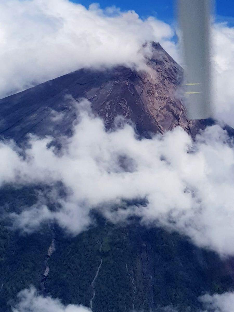 Fuego - 07.09.2018 - vol de contrôle réalisé par l'Insivumeh après l'avalanche - photo Insivumeh