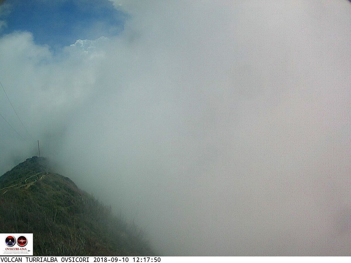 Turrialba - activity from 10.09.2018 respectively at 12:17 and 16:38 - Webcam Ovsicori