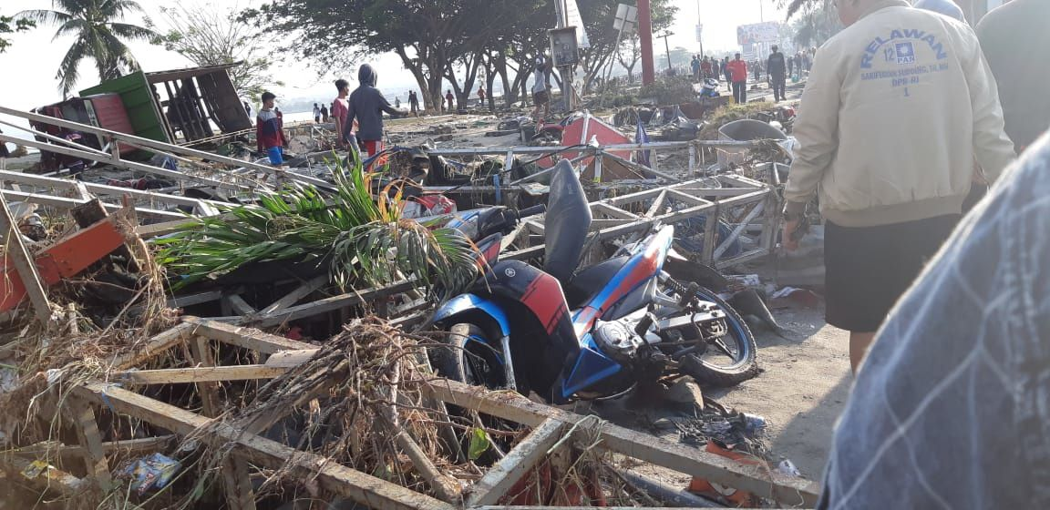 M7,5 earthquake on Sulawesi - The state of the beach in the city of Palu after the tsunami of 28.09.2018.- photos BNPB