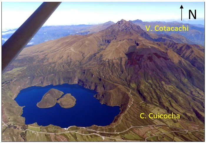 The Cuicocha-Cotacachi volcanic complex, with the Cuicocha caldera and its four domes - photo IGEPN