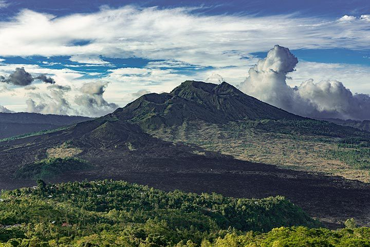 The 3 craters of the Batur - photo of the day 30.10.2017 / Ivana Dorn