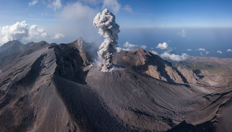 Sangeang Api - 30.09.2018 - activité strombolienne - photo Martin Rietze / Volcanoes and volcanism