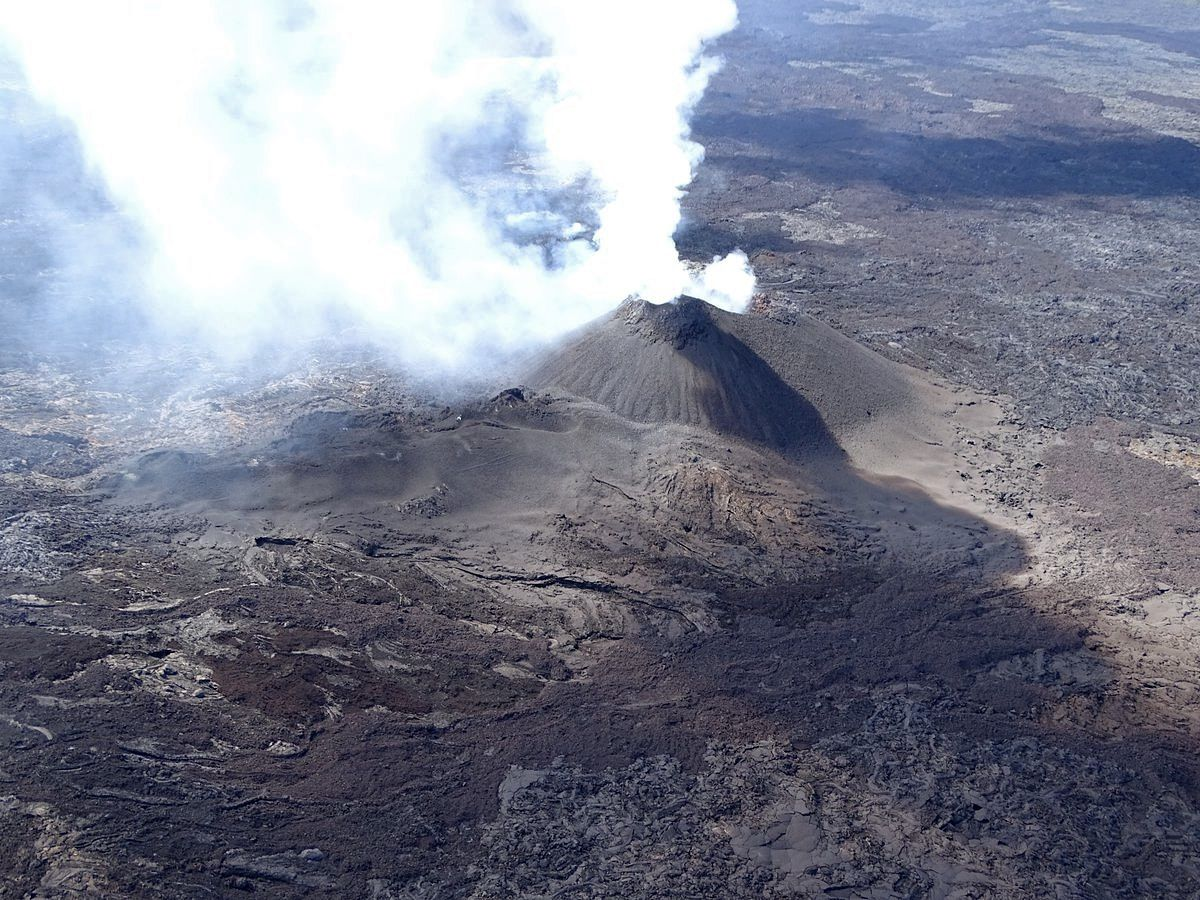 Piton de La Fournaise - the eruptive site on 14.10.2018, before the period of poor visibility - photo OVPF