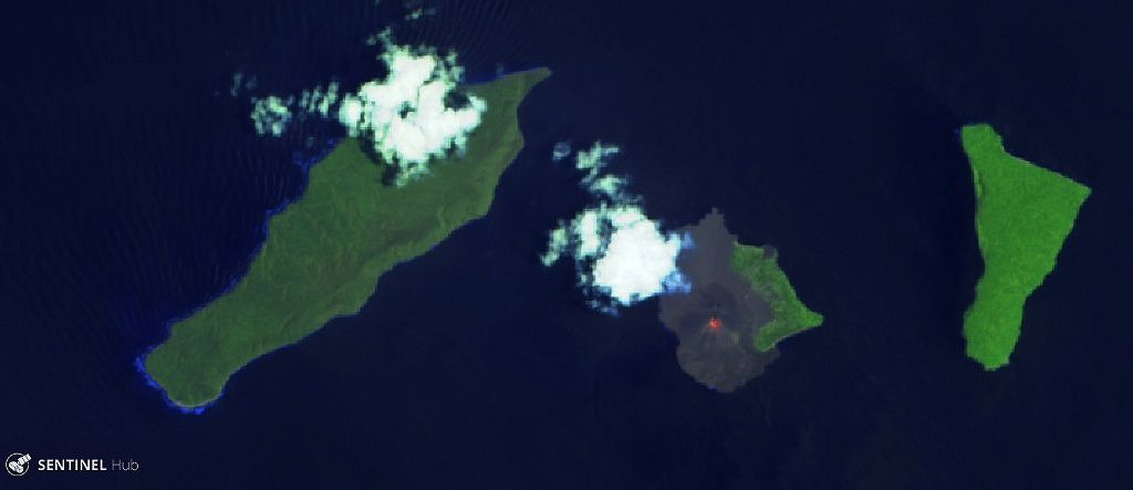 Anak Krakatau - no lava flow visible in this image Sentinel-2 bands 12,11,4 from 17.120.2018