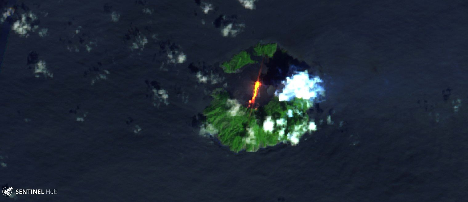 Barren island - lava flow to the north - image Sentinel 2 bands 12,11,4 from 18.10.2018 - one click to enlarge