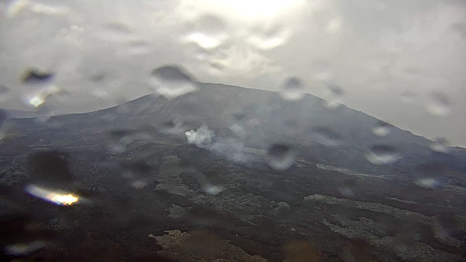 Mauvaises conditions sur La Fournaise - webcam IRT - OVPF 30.10.2018 12h30 locale