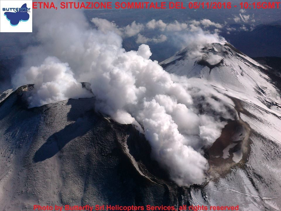 Etna - intense degassing on 05.11.2018 / 10:15 GMT - photo J.Nasi / Butterfly Helicopters