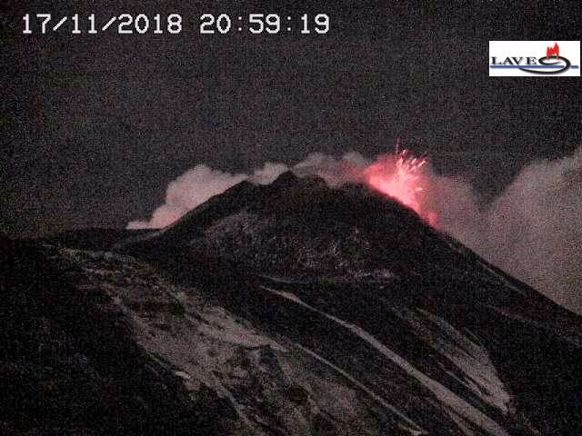 Etna - summit activity 17.11.2018 / 20h59 - webcam LAVE